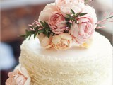fabulous-spring-wedding-cakes-that-youll-love-35