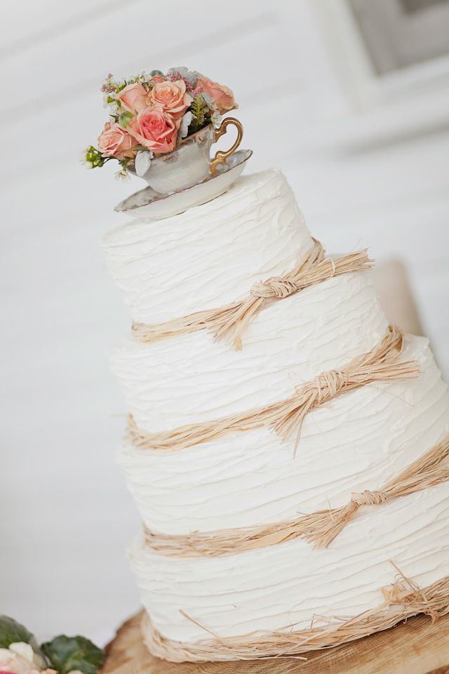 Picture Of fabulous spring wedding cakes that youll love  7