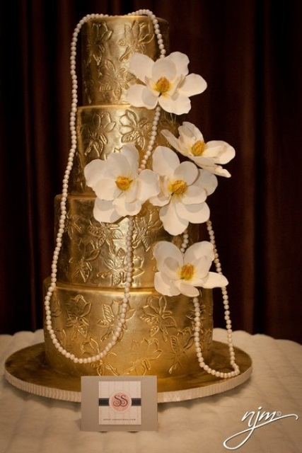 32 Fascinating Gold Wedding Cakes Weddingomania