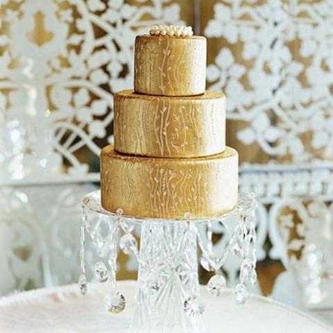 Fascinating gold wedding cakes weddingomania