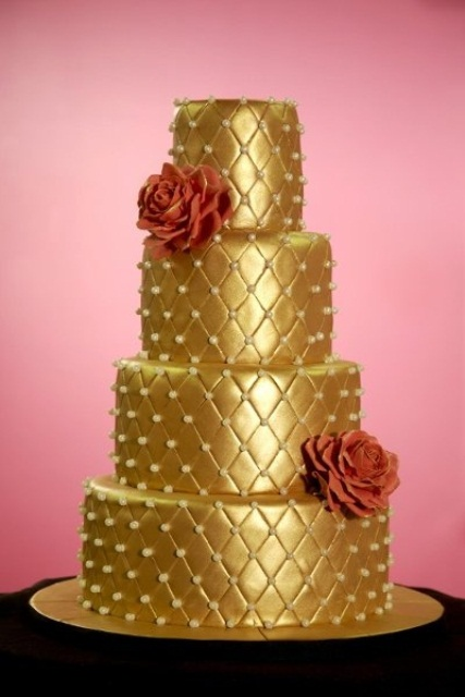 32 Fascinating Gold Wedding Cakes