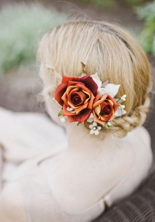 31 Feminine Fall Wedding Hairstyles