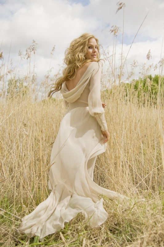 Flowing Romantic And Feminine Wedding Gowns By Leila Hafzi ...
