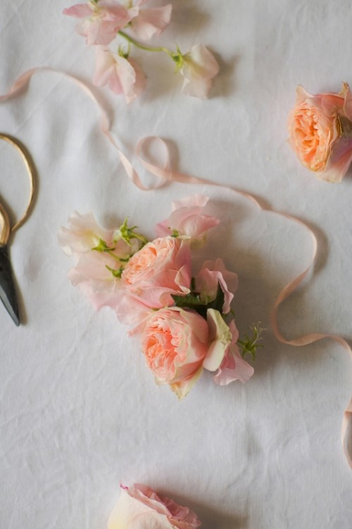 Fresh And Pretty DIY Floral Hair Comb