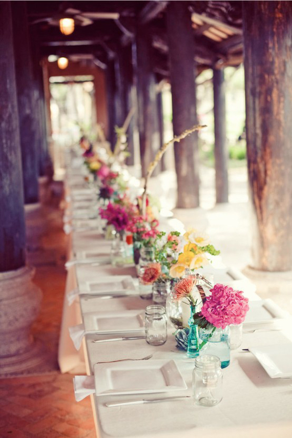 Picture of fresh spring wedding table decor ideas for Ideas for wedding centerpieces on tables