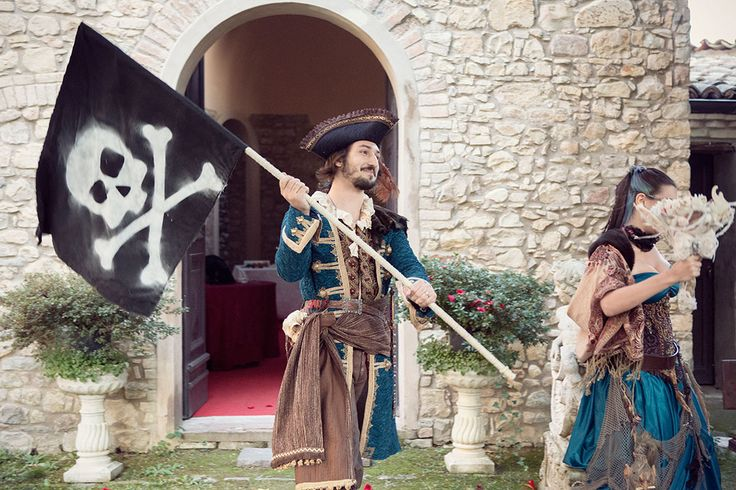 Picture Of fun and creative pirate wedding in italy  7