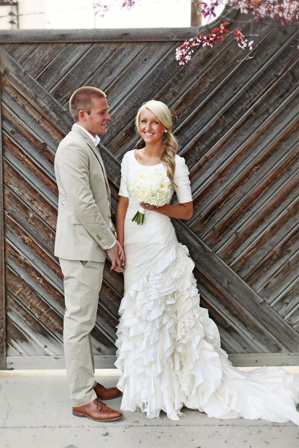 Girlish Ruffled Wedding Dresses