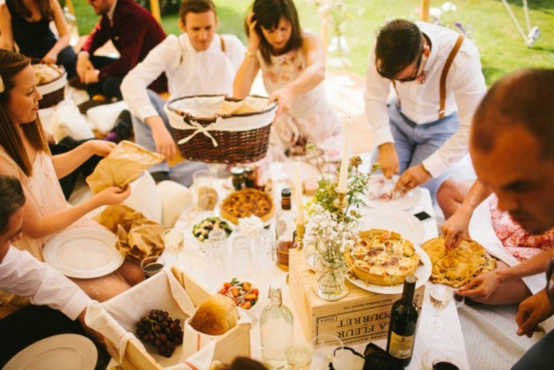 Glamorous retro picnic wedding party 29