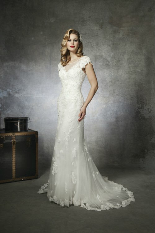 1930s and 1950s Inspired Gorgeous Wedding Dresses - Weddingomania