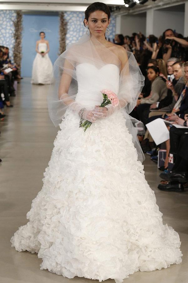 Rent A Wedding Dress Online 70 Lovely Gorgeous Oscar De La