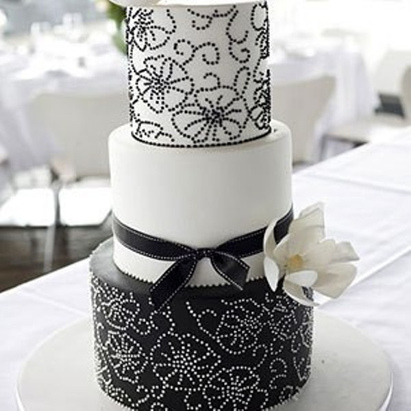 Superieur Gorgeous Black And White Wedding Cakes