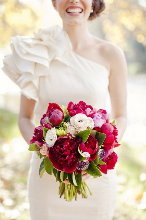 a bold and chic burgundy and white wedding bouquet is your perfect colorful touch for a fall wedding