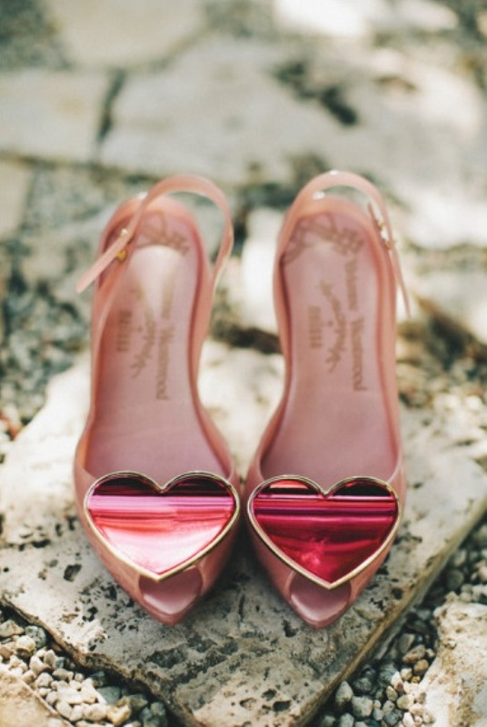 cute nude bridal shower with metallic red hearts on top for a cute and cool touch to your bridal look
