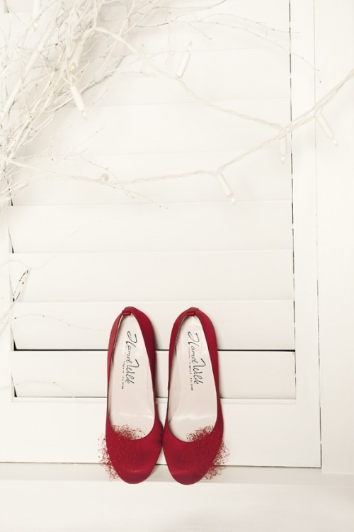 b47fb440b 26 Gorgeous Halloween And Gothic Wedding Shoes - Weddingomania