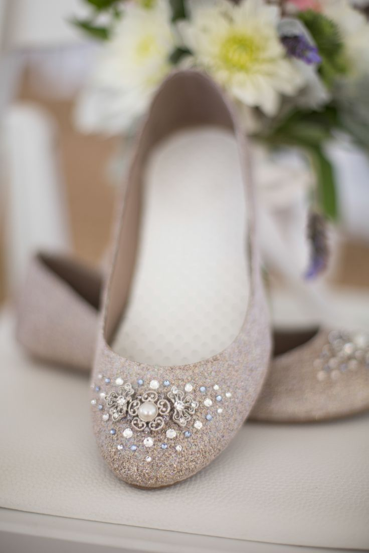 of gorgeous jeweled wedding shoes to get inspired 30