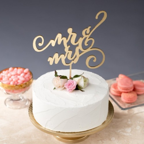 30 Gorgeous Statement Cake Toppers You'll Love