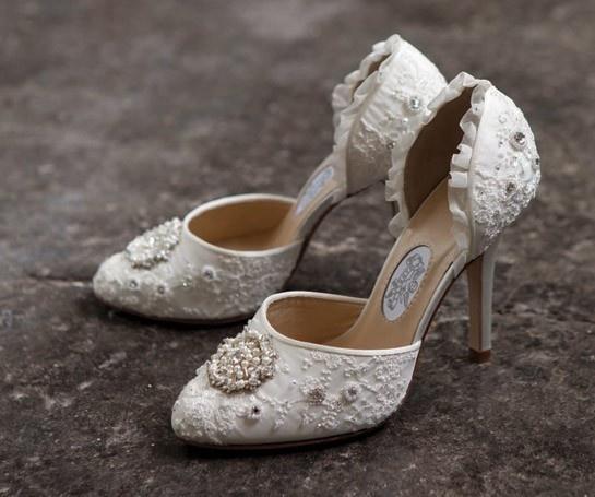45 Gorgeous Vintage Wedding Shoes - Weddingomania