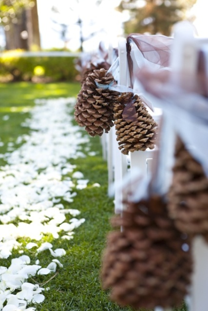 Picture Of gorgeous winter wedding aisle decor ideas  7