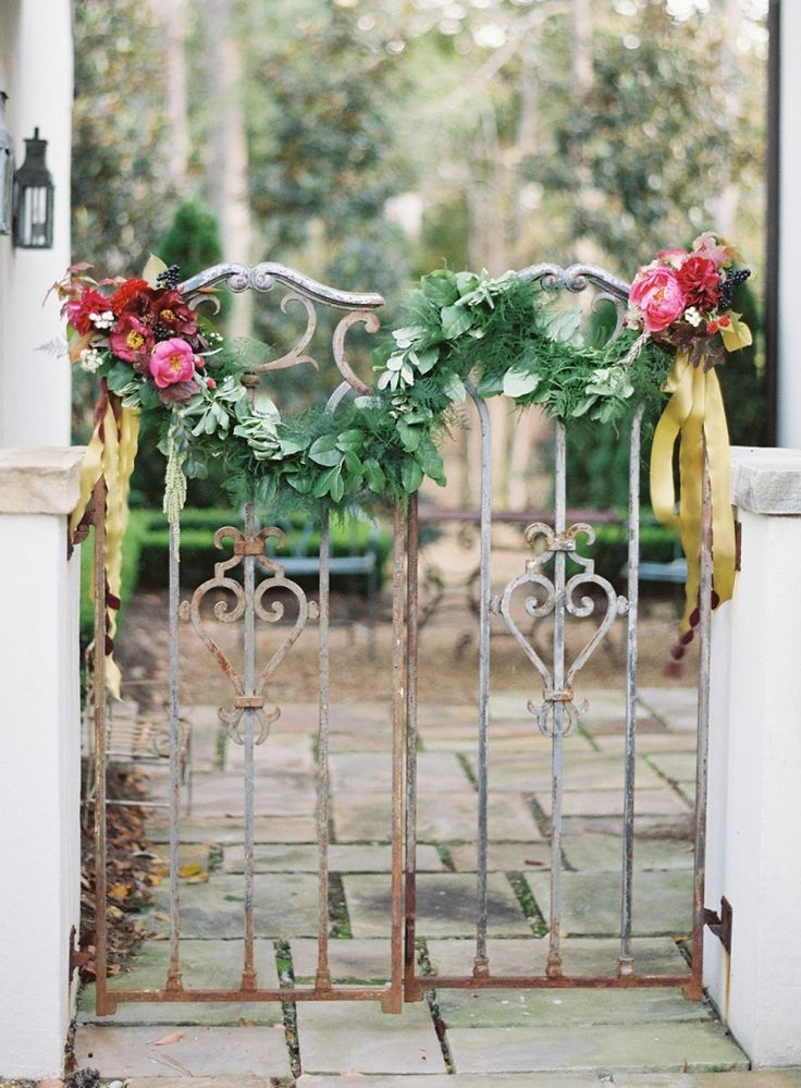 Picture Of greenery spring wedding decor ideas youll love  14