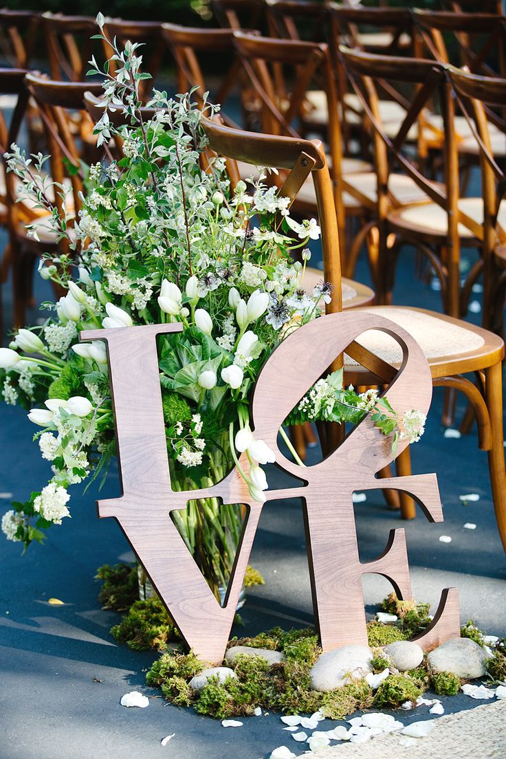 Picture of greenery spring wedding decor ideas youll love 29 for Wedding greenery ideas