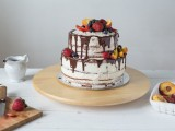 how-to-bake-a-naked-wedding-cake-at-home-1