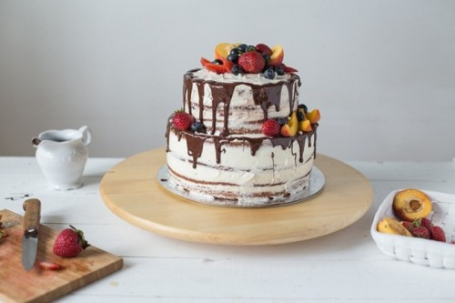 How To Bake A Naked Wedding Cake At Home