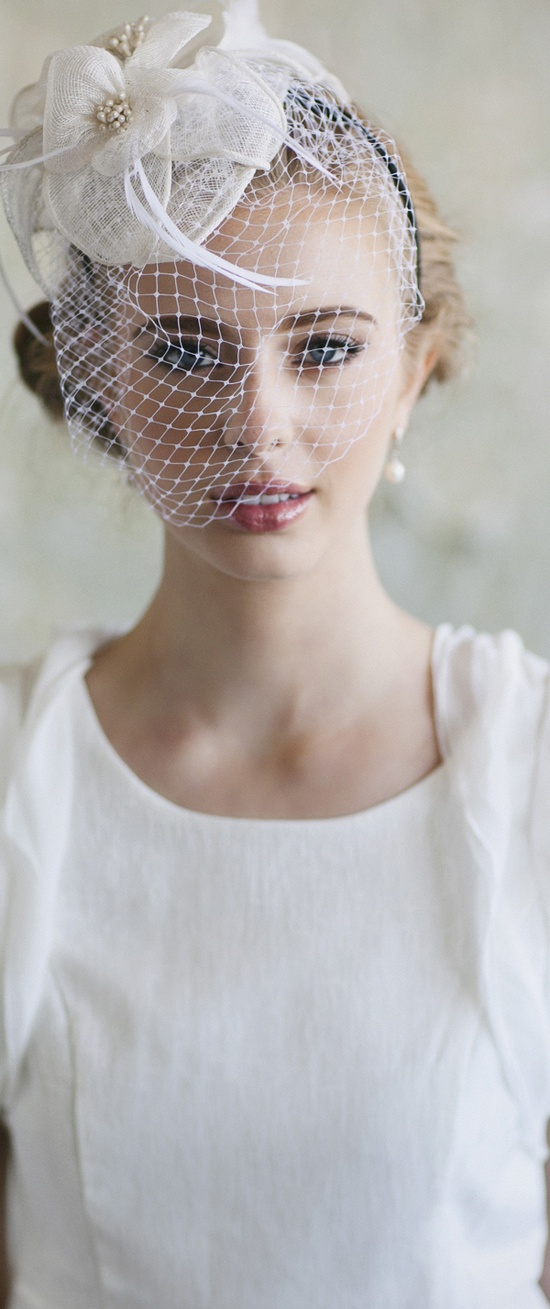 How To Choose Vintage Inspired Wedding Accessories
