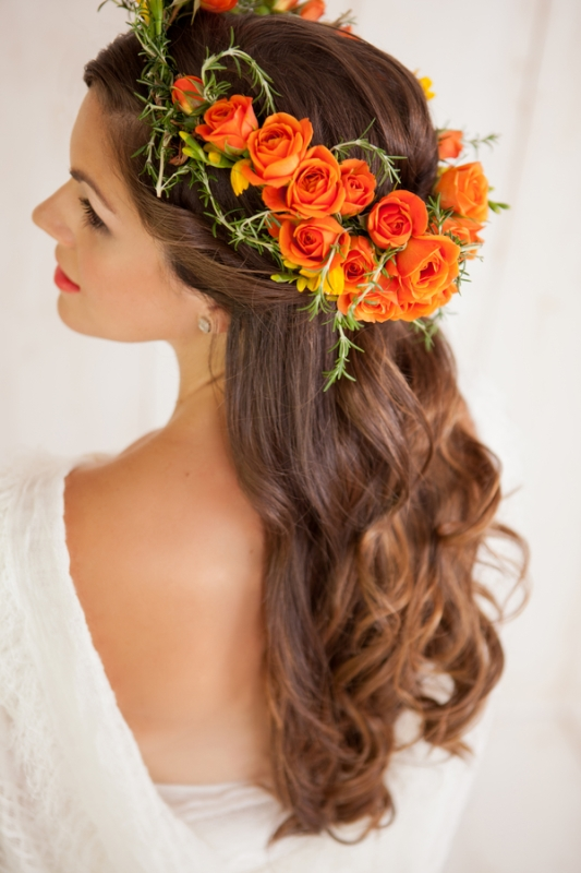 Picture Of how to make your curls last all wedding day long  4