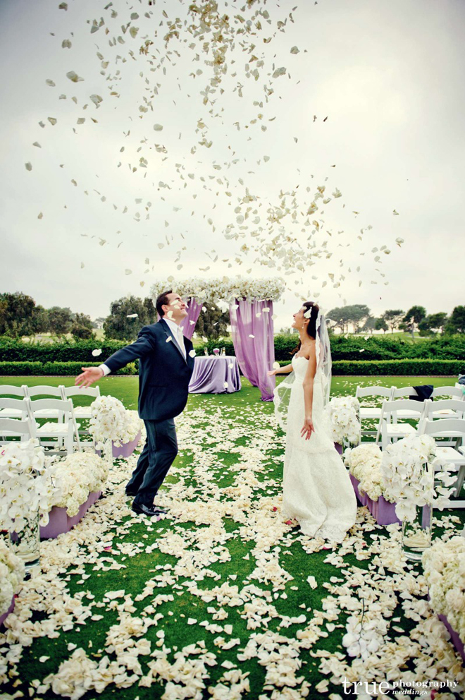 How To Use Flowers For Wedding Decor Ideas