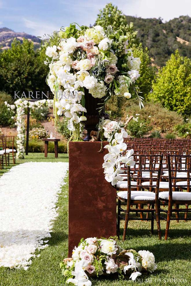 flowers for wedding ceremony