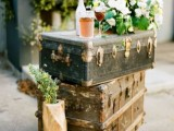how-to-use-vintage-suitcases-in-your-wedding-decor-30-clever-ideas-1