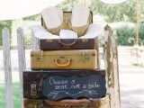 how-to-use-vintage-suitcases-in-your-wedding-decor-30-clever-ideas-12