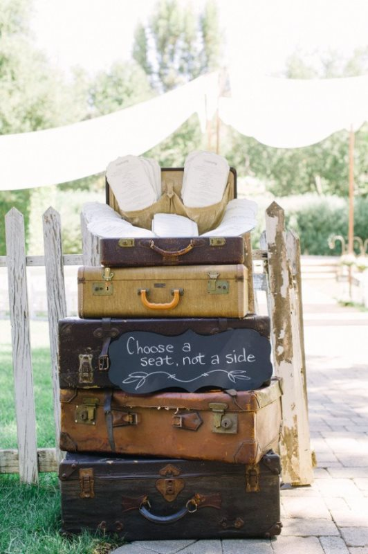 Picture Of how to use vintage suitcases in your wedding decor 30 clever ideas  12