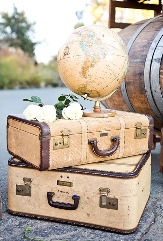 Picture Of how to use vintage suitcases in your wedding decor 30 clever ideas  14
