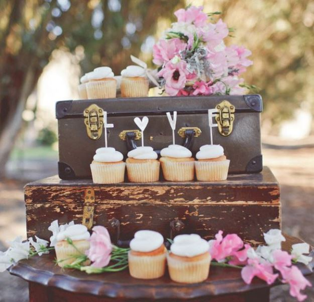 Picture Of how to use vintage suitcases in your wedding decor 30 clever ideas  18