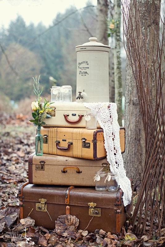 Picture Of how to use vintage suitcases in your wedding decor 30 clever ideas  25