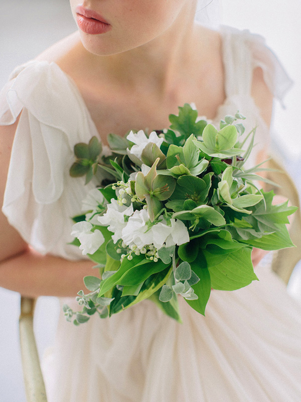 How To Wear Flowers In Your Hair On Your Big Day