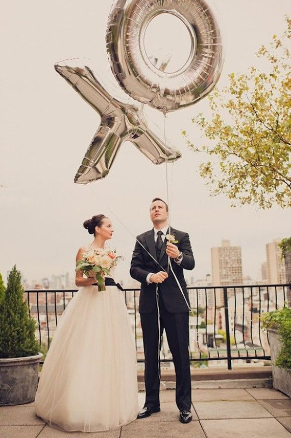 The Hottest Wedding Trend 22 Huge Letter Balloons Ideas Weddingomania