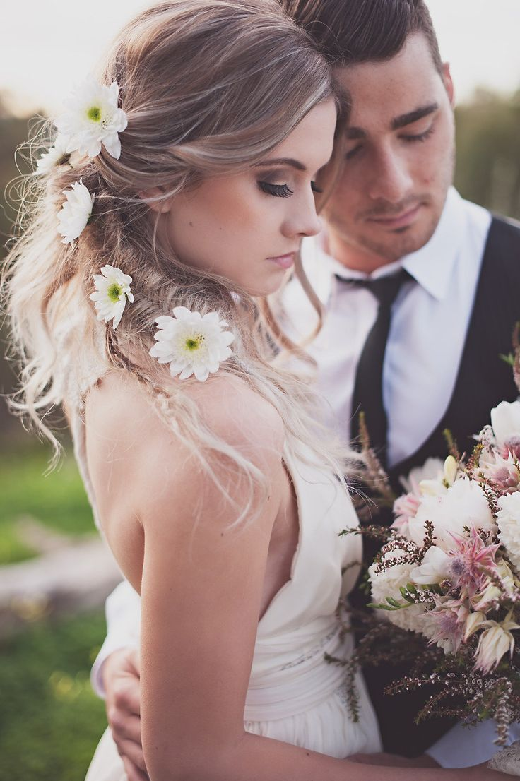 Picture Of Incredibly Beautiful Boho Chic Bridal Hair Ideas 18