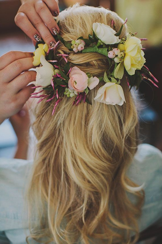 Picture Of incredibly beautiful boho chic bridal hair ideas  36