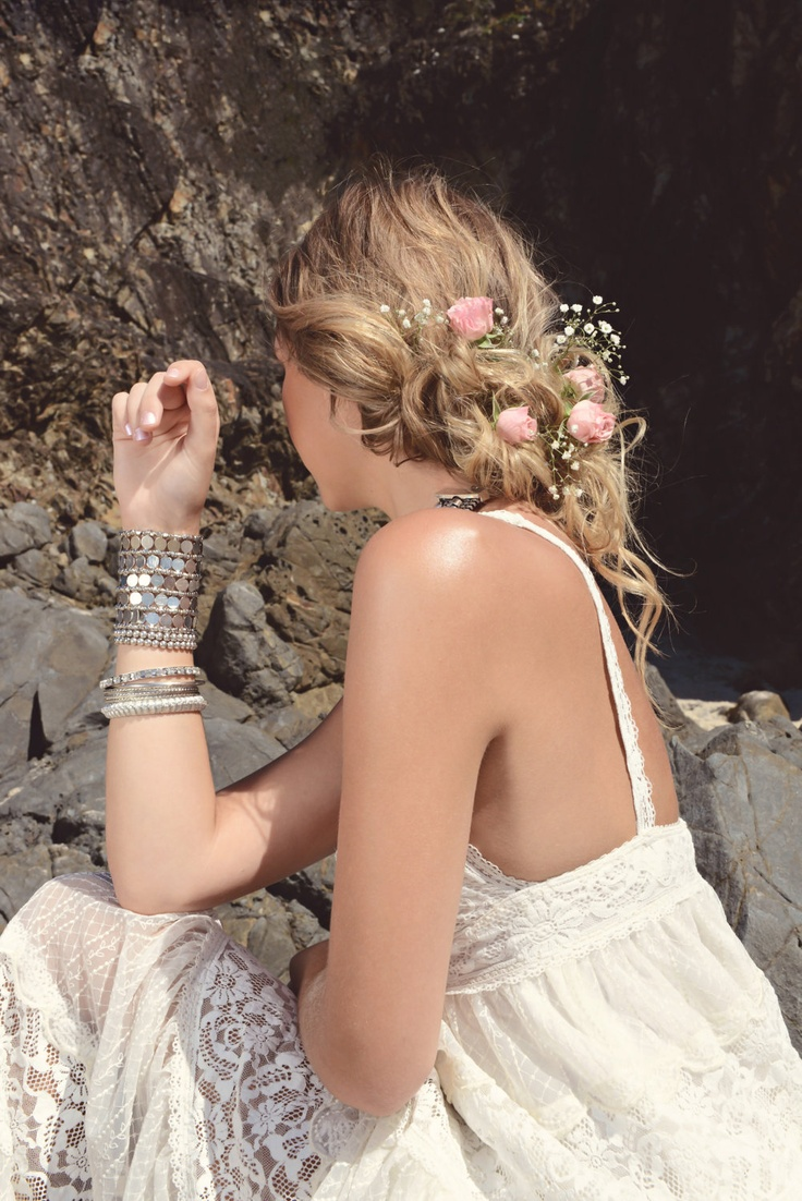 Picture Of incredibly beautiful boho chic bridal hair ideas  8