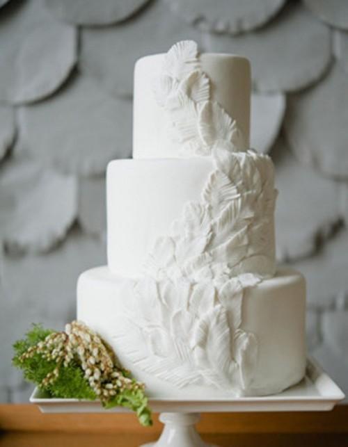 Inspiring Feather Decor Ideas For Your Wedding