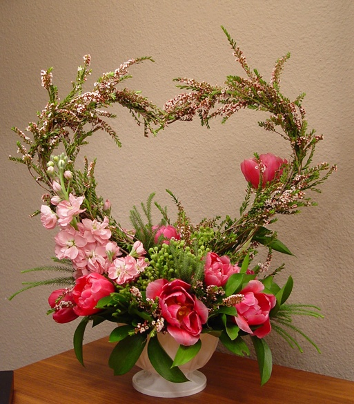 Picture Of Inspiring Valentines Day Wedding Centerpieces 1