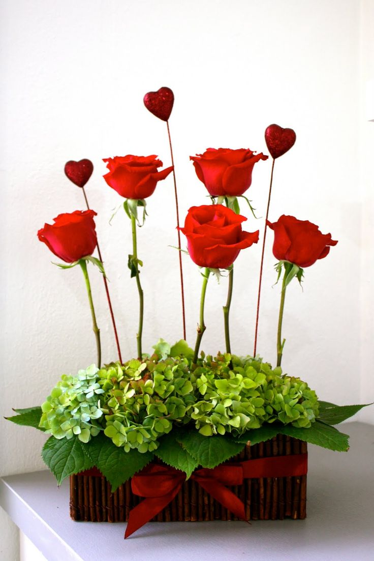 Picture Of inspiring valentines day wedding centerpieces  6