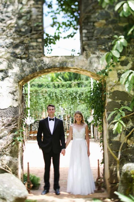Picture Of intimate and glamorous hawaiian wedding inspiration  20