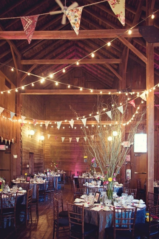 Intimate And Lovely Inside Barn Wedding Reception Ideas