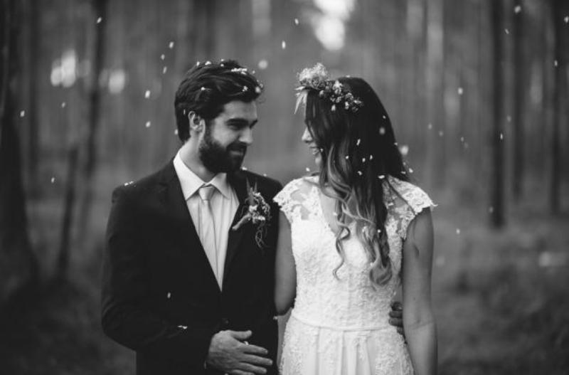 Picture Of intimate bohemian woodland wedding inspiration  20