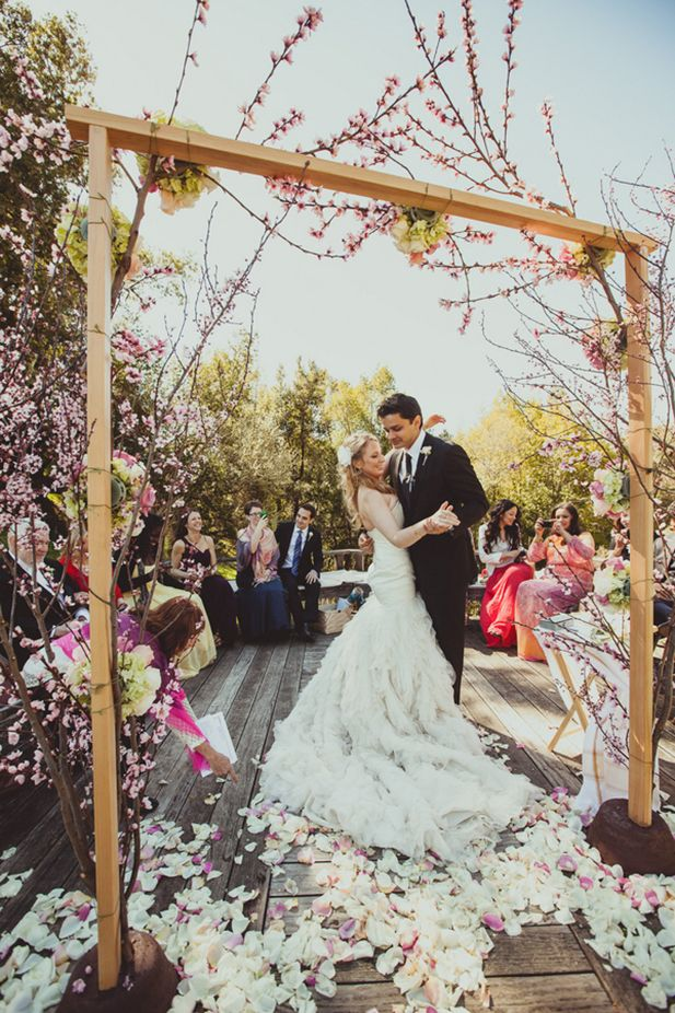 Intimate Springtime Wedding Inspired By Spring Itself