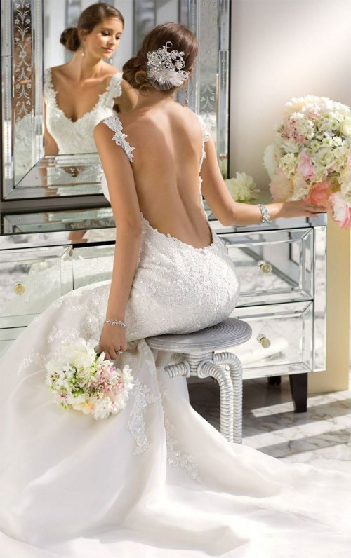 40 Jaw-Dropping Statement Back Wedding Dresses