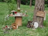 joyful-marsala-woodland-wedding-inspiration-17